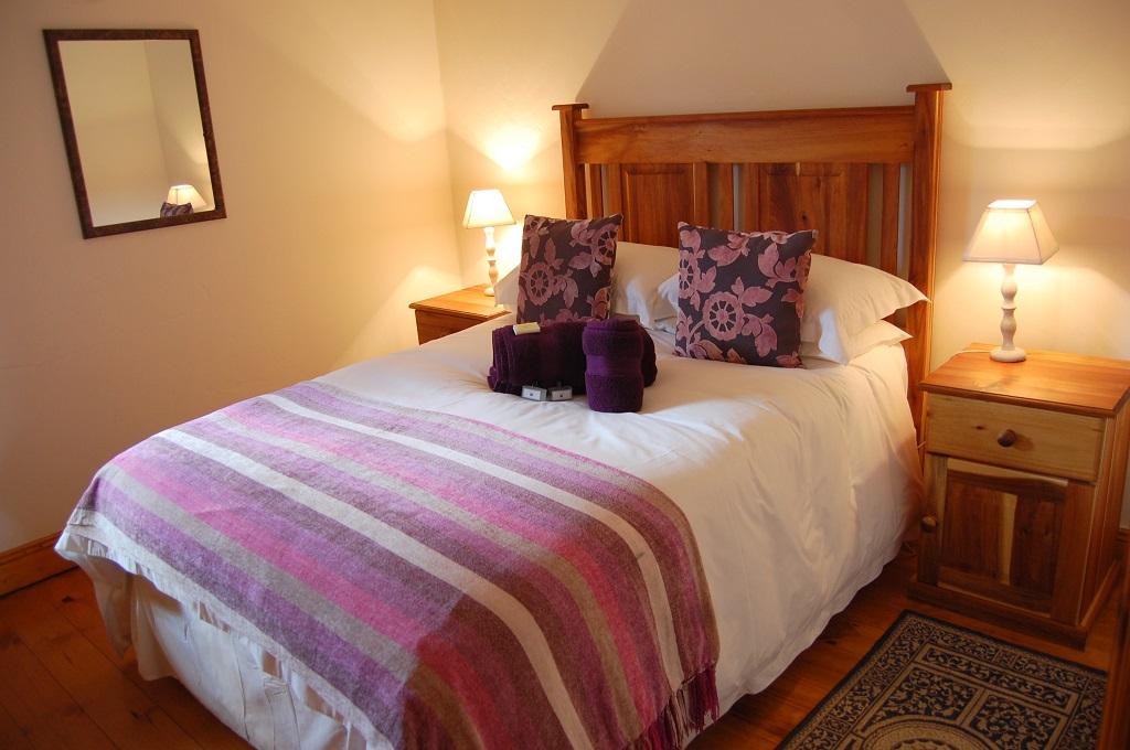 cottage_bedroom